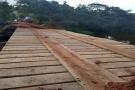 SECRETARIA DE AGRICULTURA RECUPERA PONTE SOBRE O RIO QUILOMBO EM SANTA EUDÓXIA